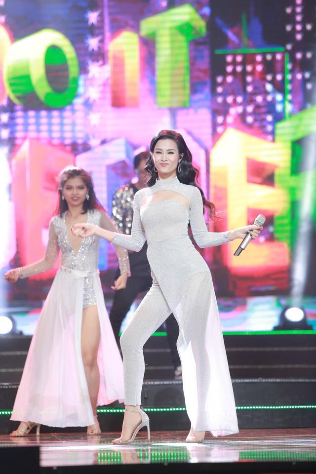Đông Nhi đẹp tựa nữ thần tại Nhạc hội Việt - Nhật 2018 - Ảnh 5.
