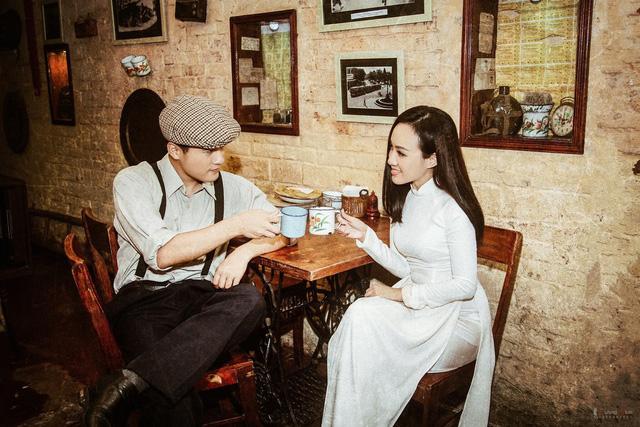 BTV Hoài Anh đẹp dịu dàng trong tà áo dài trắng tinh khôi - Ảnh 2.