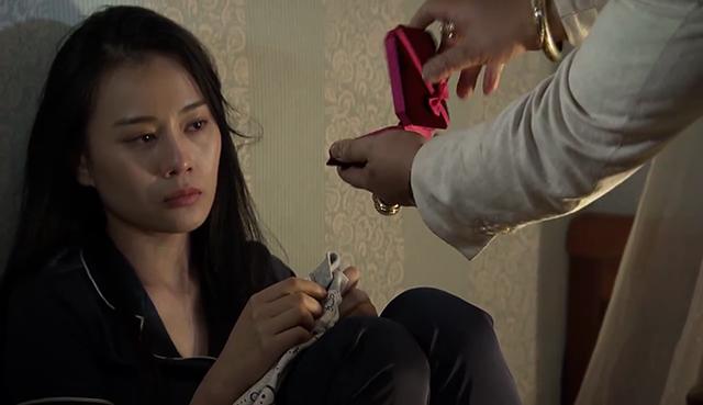 Quỳnh búp bê - Tập 10: Bị ông Cấn bắt mất con, Quỳnh hoảng loạn - Ảnh 4.