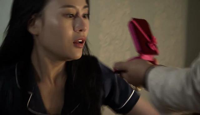 Quỳnh búp bê - Tập 10: Bị ông Cấn bắt mất con, Quỳnh hoảng loạn - Ảnh 3.