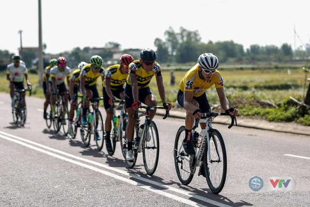 ẢNH: Những khoảnh khắc ấn tượng chặng 10 Giải xe đạp quốc tế VTV Cúp Tôn Hoa Sen 2018 - Ảnh 1.