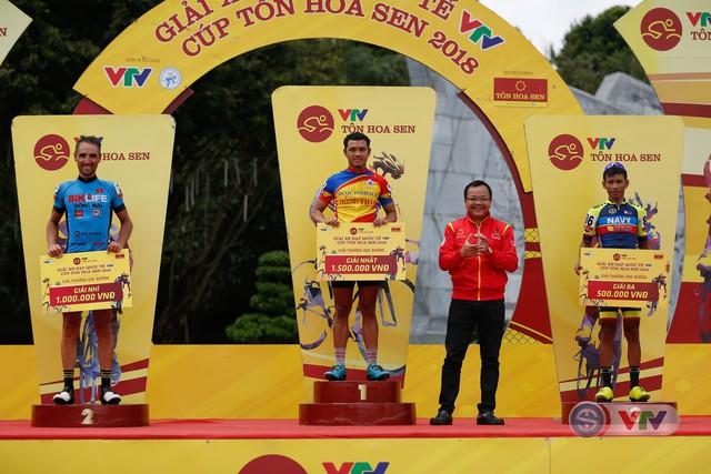 ẢNH: Những khoảnh khắc ấn tượng chặng 10 Giải xe đạp quốc tế VTV Cúp Tôn Hoa Sen 2018 - Ảnh 13.