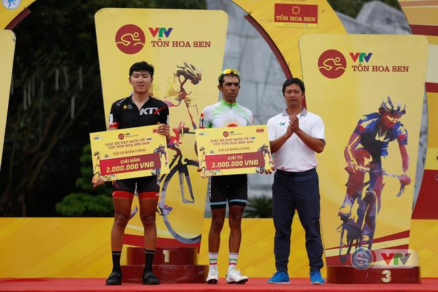 ẢNH: Những khoảnh khắc ấn tượng chặng 10 Giải xe đạp quốc tế VTV Cúp Tôn Hoa Sen 2018 - Ảnh 14.