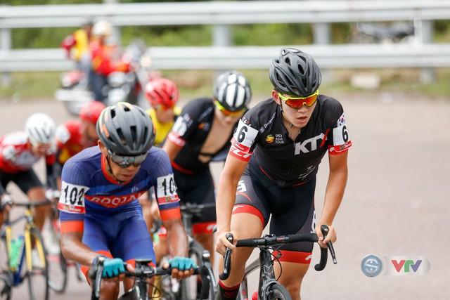 ẢNH: Những khoảnh khắc ấn tượng chặng 10 Giải xe đạp quốc tế VTV Cúp Tôn Hoa Sen 2018 - Ảnh 3.