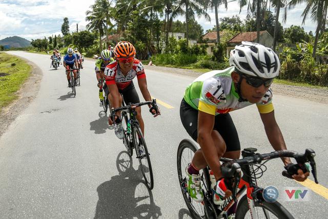 ẢNH: Những khoảnh khắc ấn tượng chặng 10 Giải xe đạp quốc tế VTV Cúp Tôn Hoa Sen 2018 - Ảnh 5.