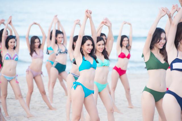 Thí sinh Hoa hậu Việt Nam 2018 nóng bỏng hết cỡ trong MV trước đêm chung kết - Ảnh 10.