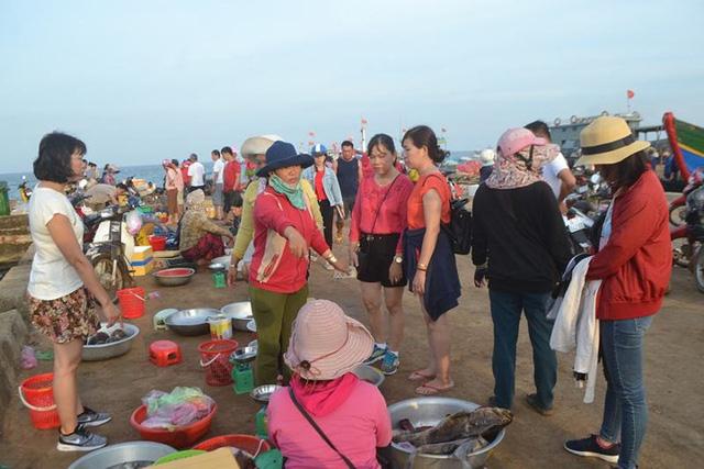 Đi chợ cá trên đảo Lý Sơn - Ảnh 9.
