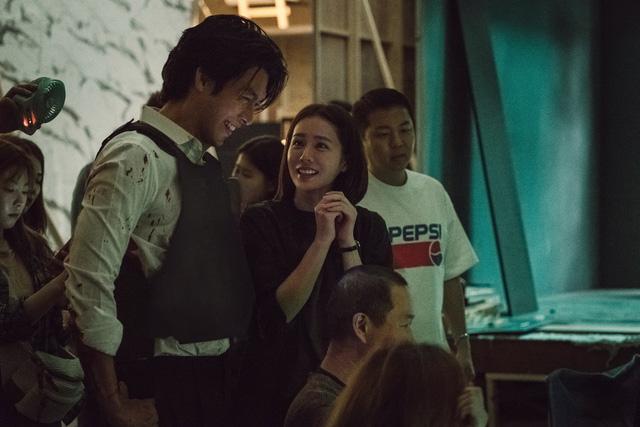 Son Ye Jin muốn đóng cùng Hyun Bin như trong ông bà Smith - Ảnh 1.