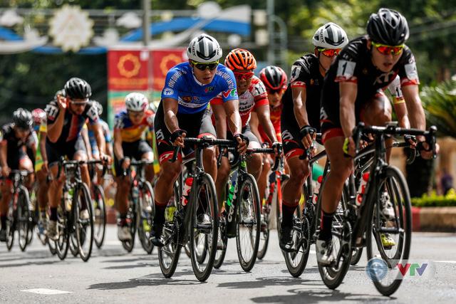 ẢNH: Những khoảnh khắc ấn tượng chặng 12 Giải xe đạp quốc tế VTV Cup Tôn Hoa Sen 2018 - Ảnh 10.