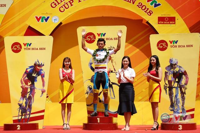 ẢNH: Những khoảnh khắc ấn tượng chặng 12 Giải xe đạp quốc tế VTV Cup Tôn Hoa Sen 2018 - Ảnh 18.