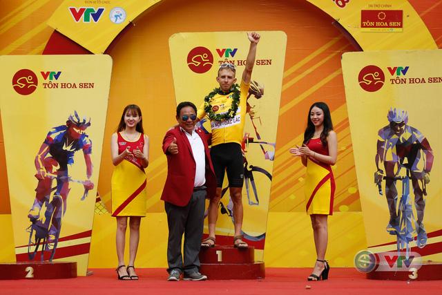 ẢNH: Những khoảnh khắc ấn tượng chặng 12 Giải xe đạp quốc tế VTV Cup Tôn Hoa Sen 2018 - Ảnh 20.
