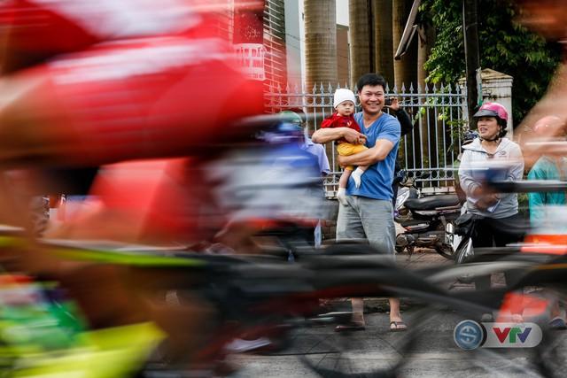 ẢNH: Những khoảnh khắc ấn tượng chặng 12 Giải xe đạp quốc tế VTV Cup Tôn Hoa Sen 2018 - Ảnh 5.