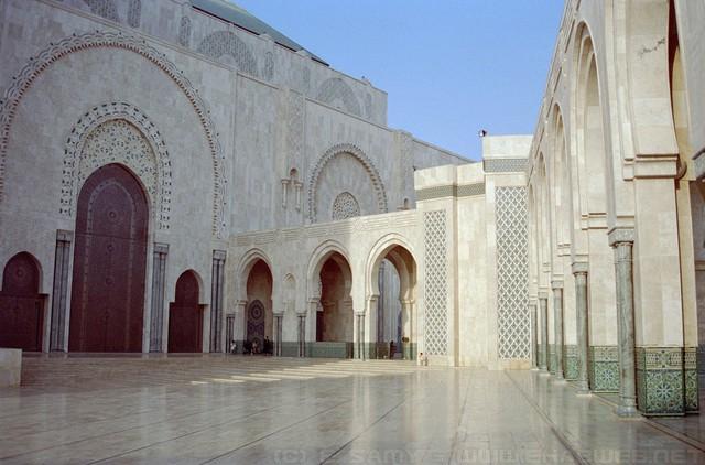 Thành phố trắng Casablanca - Ảnh 1.