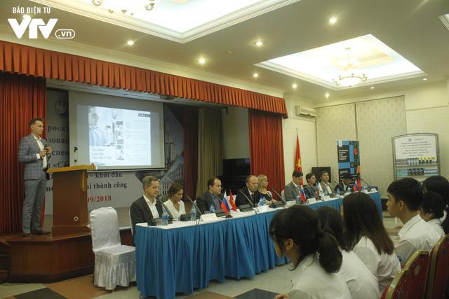 Triển lãm các trường đại học hàng đầu của Nga cuốn hút học sinh Việt - Ảnh 4.