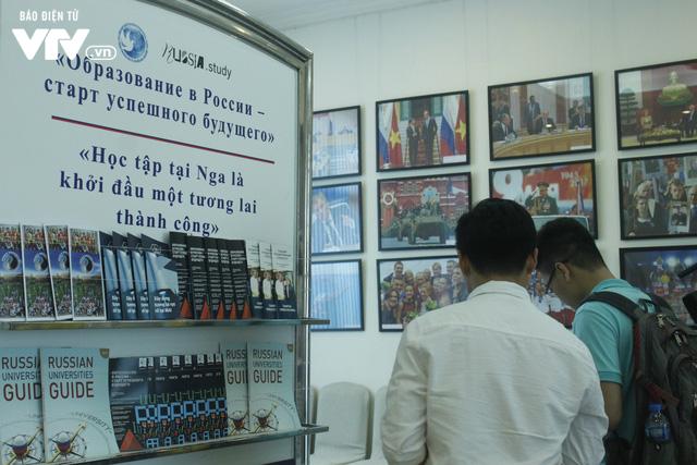 Triển lãm các trường đại học hàng đầu của Nga cuốn hút học sinh Việt - Ảnh 10.