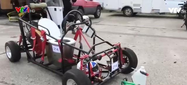 Sôi nổi giải đua xe tự chế tại Anh - Ảnh 2.