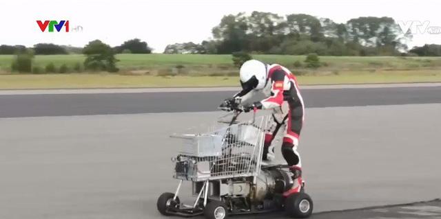 Sôi nổi giải đua xe tự chế tại Anh - Ảnh 1.