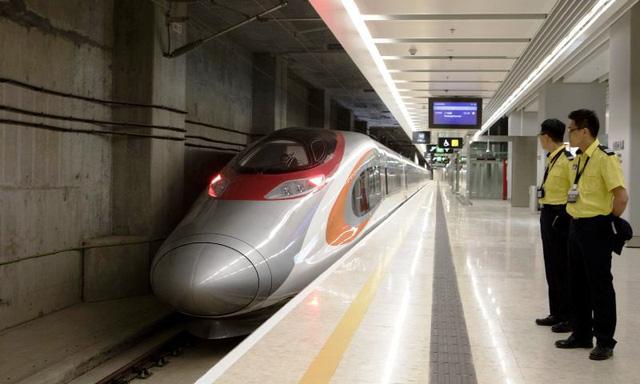 Trải nghiệm tàu cao tốc Hong Kong - Trung Quốc lục địa - Ảnh 3.
