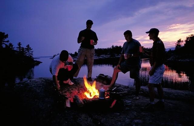 Lời khuyên hữu ích khi đi cắm trại trong rừng - Ảnh 3.