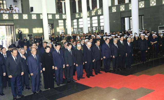 Hình ảnh Lãnh đạo Đảng, Nhà nước viếng Chủ tịch nước Trần Đại Quang - Ảnh 3.