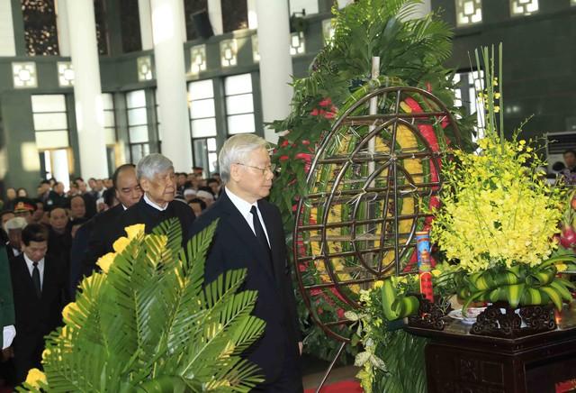 Hình ảnh Lãnh đạo Đảng, Nhà nước viếng Chủ tịch nước Trần Đại Quang - Ảnh 4.