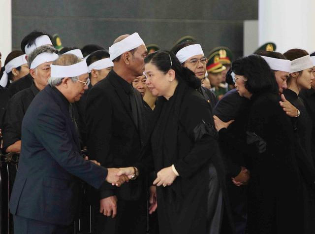 Cử hành trọng thể Lễ viếng Chủ tịch nước Trần Đại Quang - Ảnh 5.