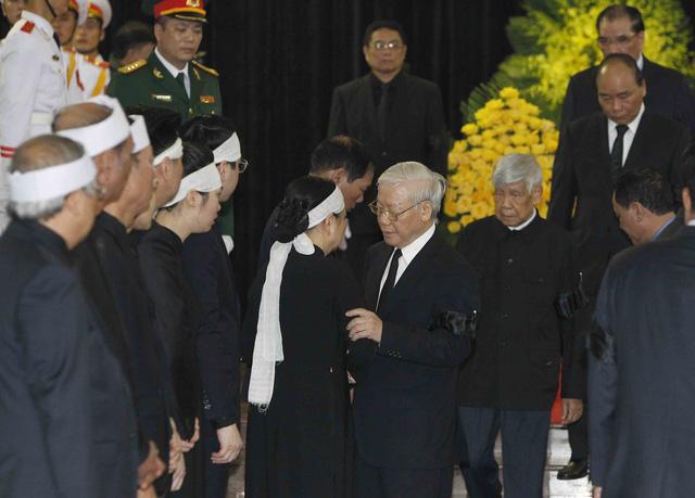 Hình ảnh Lãnh đạo Đảng, Nhà nước viếng Chủ tịch nước Trần Đại Quang - Ảnh 5.