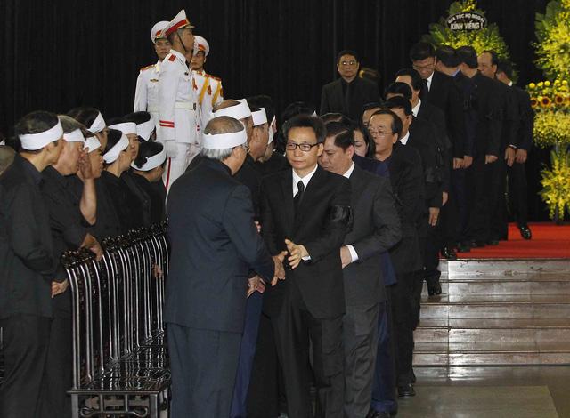Hình ảnh Lãnh đạo Đảng, Nhà nước viếng Chủ tịch nước Trần Đại Quang - Ảnh 9.