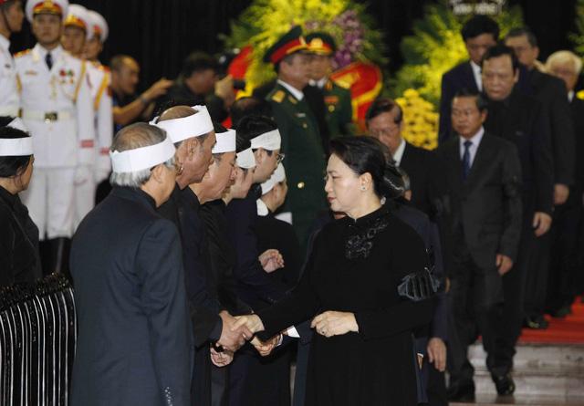 Hình ảnh Lãnh đạo Đảng, Nhà nước viếng Chủ tịch nước Trần Đại Quang - Ảnh 12.