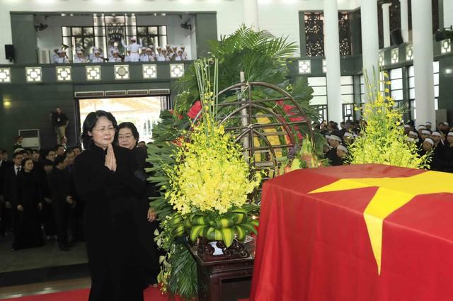Hình ảnh Lãnh đạo Đảng, Nhà nước viếng Chủ tịch nước Trần Đại Quang - Ảnh 15.