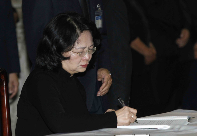 Hình ảnh Lãnh đạo Đảng, Nhà nước viếng Chủ tịch nước Trần Đại Quang - Ảnh 17.
