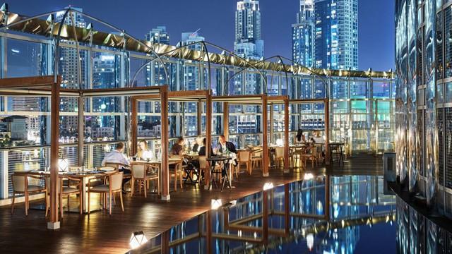 Khám phá sự xa hoa bên trong tòa nhà cao nhất thế giới ở Dubai - Ảnh 2.