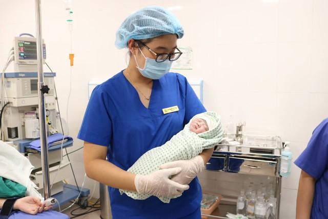 Kiên trì sinh con dù mắc chứng suy thận giai đoạn cuối - Ảnh 1.