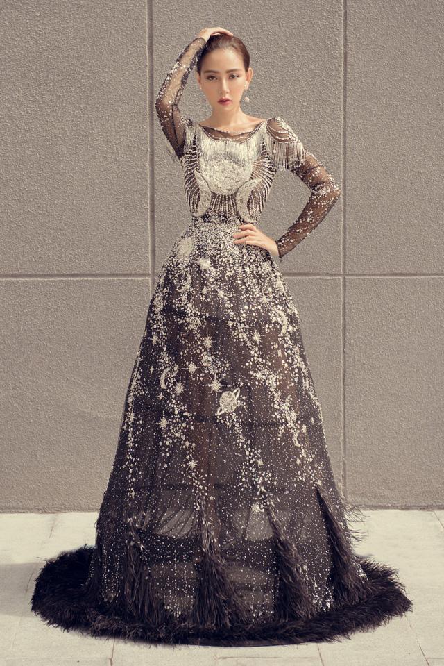 Hoa hậu Kỳ Duyên đụng hàng Lin Taiyang đẹp bất phân thắng bại - Ảnh 3.