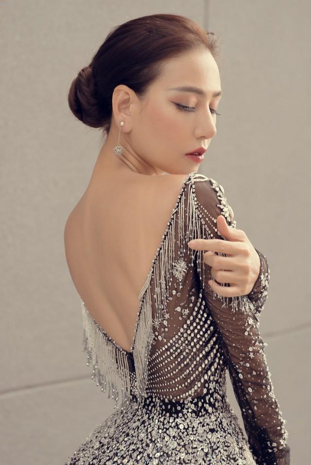 Hoa hậu Kỳ Duyên đụng hàng Lin Taiyang đẹp bất phân thắng bại - Ảnh 8.