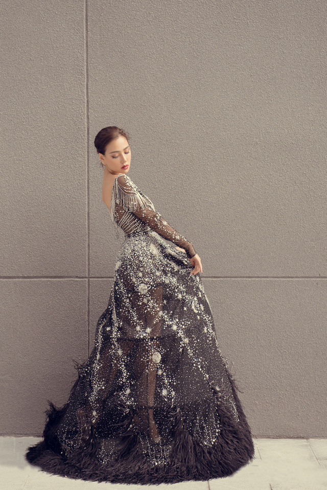 Hoa hậu Kỳ Duyên đụng hàng Lin Taiyang đẹp bất phân thắng bại - Ảnh 5.
