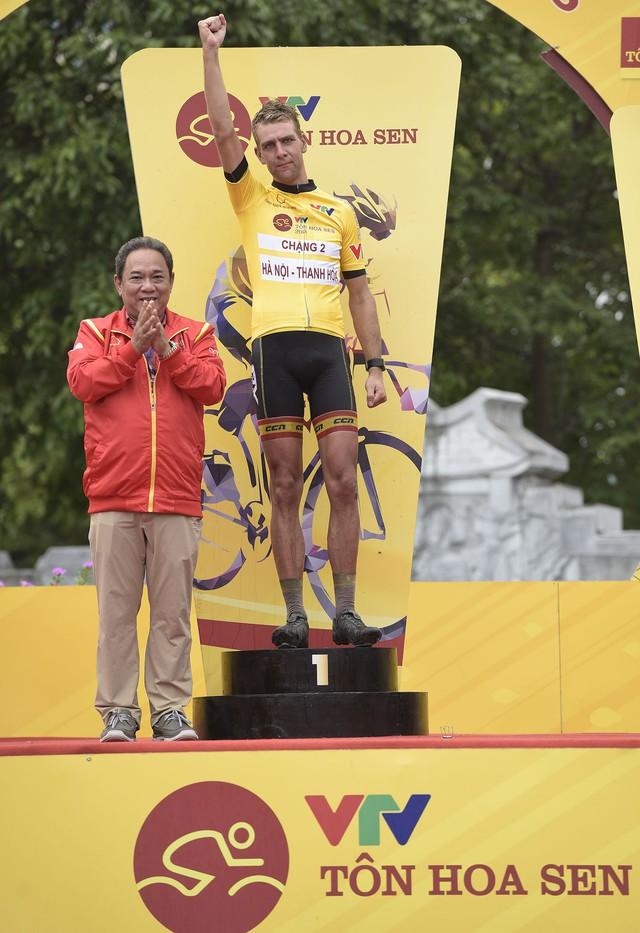 ẢNH: Những khoảnh khắc ấn tượng chặng 2 Giải xe đạp quốc tế VTV Cup Tôn Hoa Sen 2018 - Hà Nội đi Thanh Hoá - Ảnh 16.