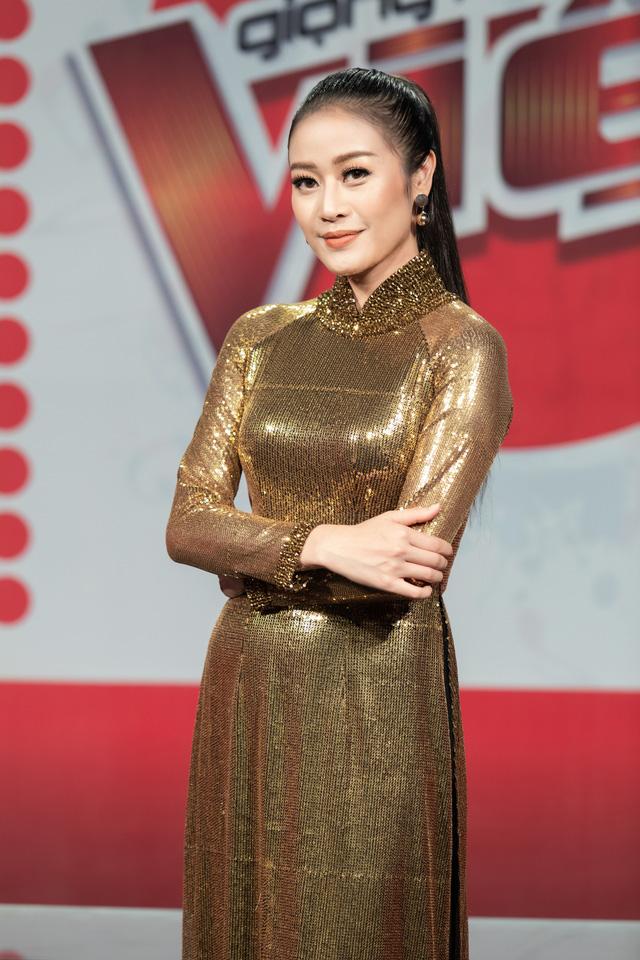 MC Phí Linh nhận cơn mưa lời khen sau đêm CK Giọng hát Việt 2018 - Ảnh 4.