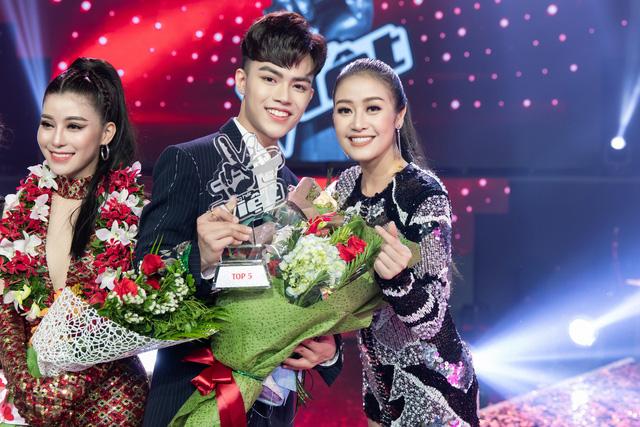 MC Phí Linh nhận cơn mưa lời khen sau đêm CK Giọng hát Việt 2018 - Ảnh 9.