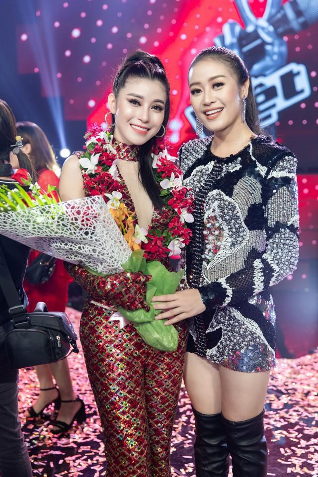 MC Phí Linh nhận cơn mưa lời khen sau đêm CK Giọng hát Việt 2018 - Ảnh 8.