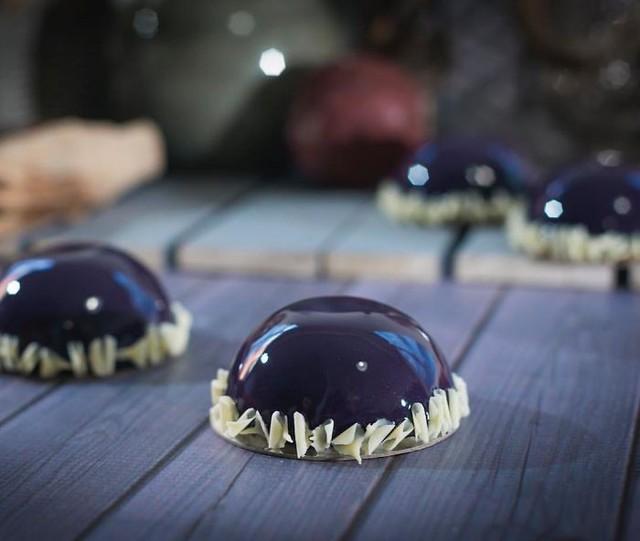 Những chiếc bánh kem tráng gương đẹp mê mẩn - Ảnh 15.