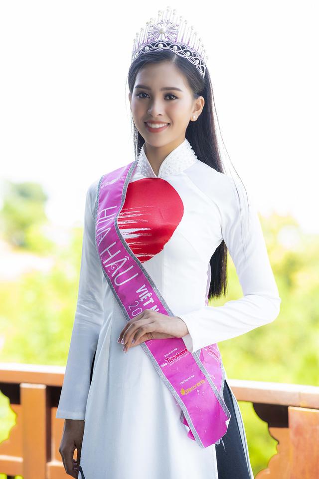 Top 3 Hoa hậu Việt Nam 2018 đọ sắc với áo dài họa tiết Nhật Bản - Ảnh 3.