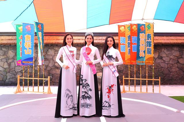 Top 3 Hoa hậu Việt Nam 2018 đọ sắc với áo dài họa tiết Nhật Bản - Ảnh 2.