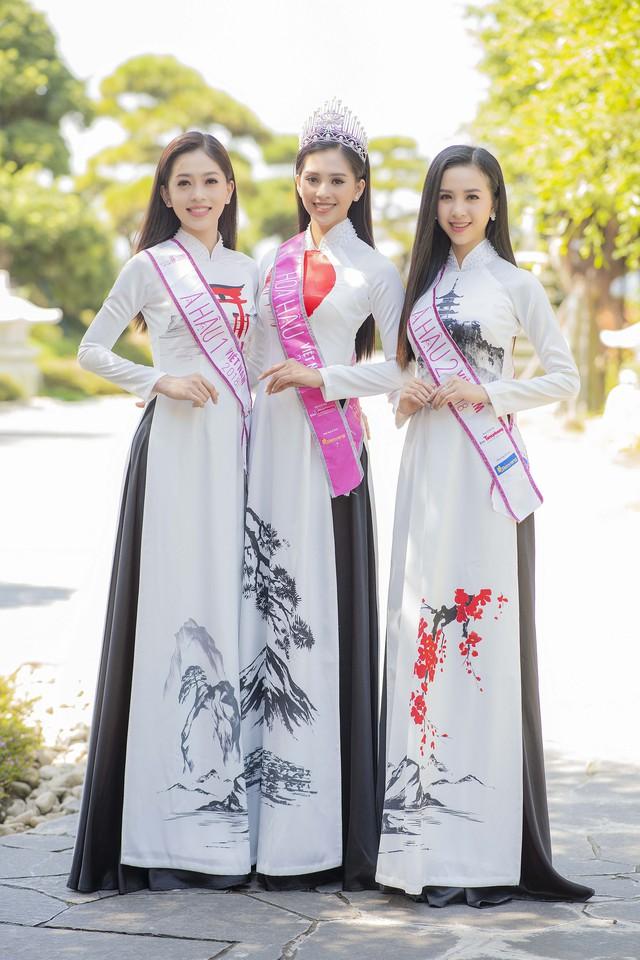 Top 3 Hoa hậu Việt Nam 2018 đọ sắc với áo dài họa tiết Nhật Bản - Ảnh 7.