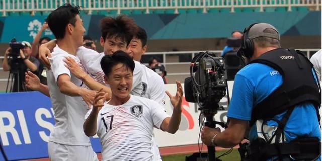 Olympic Việt Nam áp đảo ở ĐHTB bóng đá nam ASIAD 2018 - Ảnh 3.