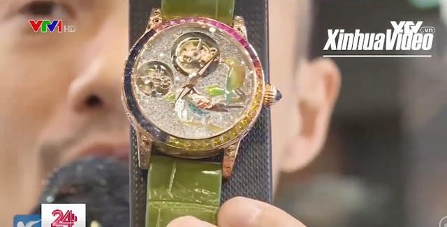 Triển lãm đồng hồ độc đáo ở Hong Kong, Trung Quốc - Ảnh 2.