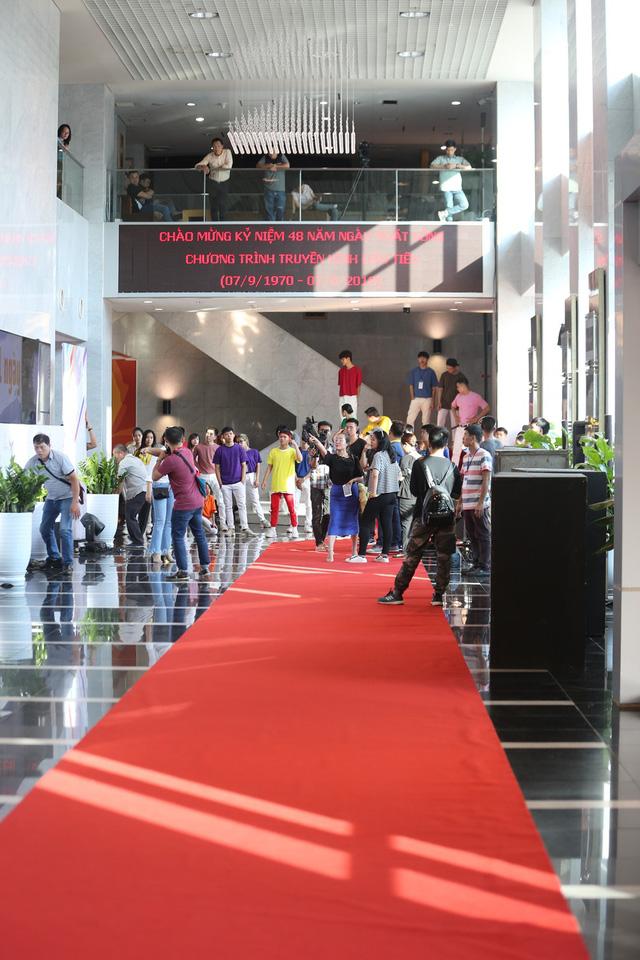 VTV Awards 2018: Hé lộ hình ảnh thảm đỏ và sân khấu trước giờ G - Ảnh 13.