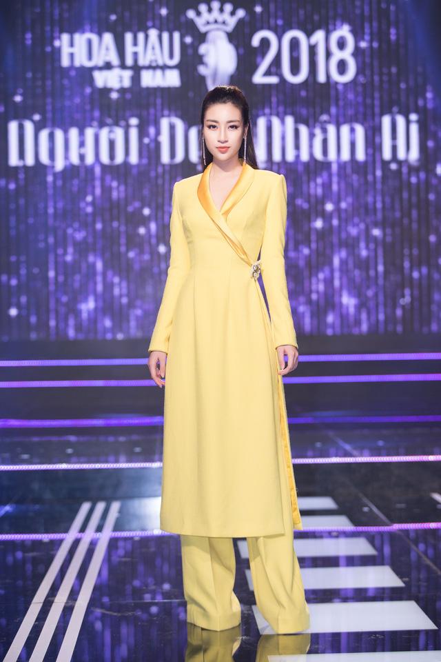 Khi thí sinh Hoa hậu Việt Nam 2018 thử sức làm điều dưỡng viên - Ảnh 8.