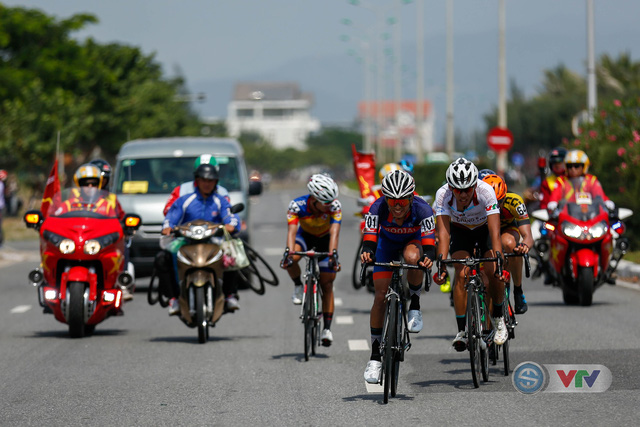 ẢNH: Những khoảnh khắc ấn tượng chặng 7 Giải xe đạp quốc tế VTV Cup Tôn Hoa Sen 2018 - Ảnh 12.