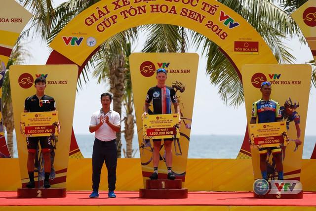 ẢNH: Những khoảnh khắc ấn tượng chặng 7 Giải xe đạp quốc tế VTV Cup Tôn Hoa Sen 2018 - Ảnh 15.
